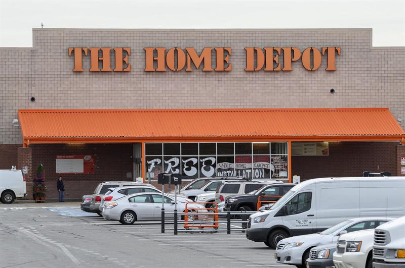 Home Depot earns 6.851 million dollars until October, 10.3% more